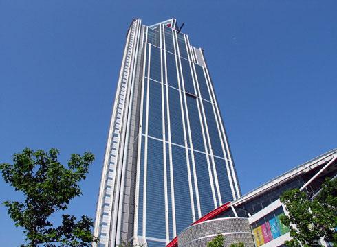 Высотное здание Cosmo Osaka Square в Японии