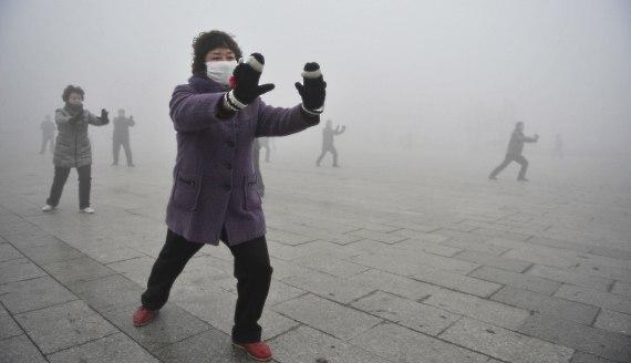 Загрязнение воздуха - одна из главных проблем городов Китая.