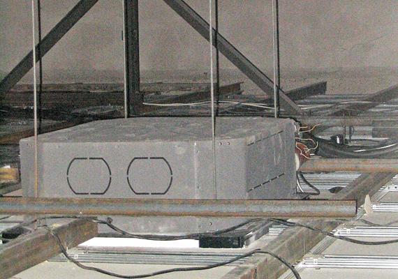 Полупромышленный кассетный кондиционер в запотолочном пространстве
